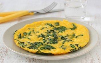 Omletas su sūriu ir špinatais
