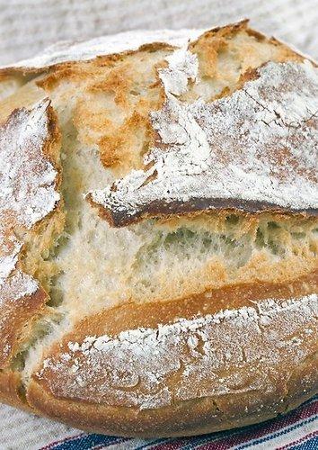 Balta naminė duona