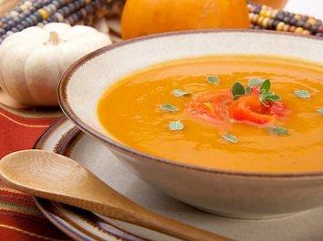 Moliūgų sriuba su apelsinų sultimis