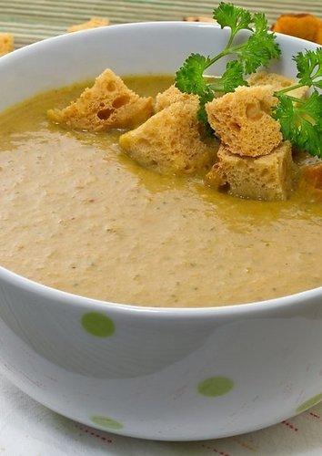 Moliūgų ir voveraičių sriuba