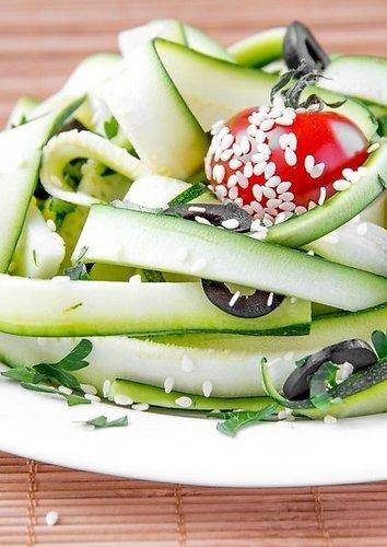 Cukinijų salotos